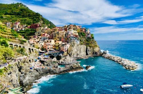 blog-voyage-couple-parfums-de-liberte-leo-et-julie-petit-budget-visiter-italie-cinque-terre-village-paysage-riomaggiore-crique-italia-italy