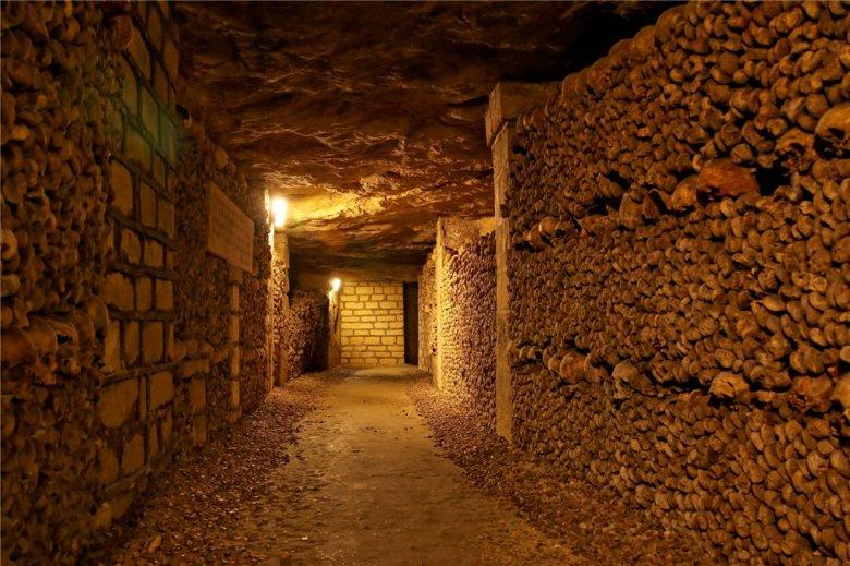 751-katakomby-parizha