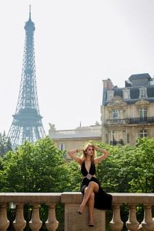 фотосессия в париже. портрет. девушка и эйфелева башня