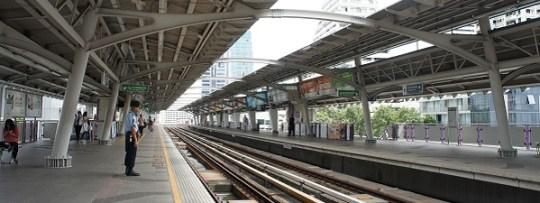 Station de BTS, le métro aérien de Bangkok