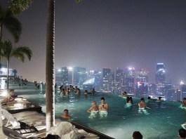 Infinity Pool Singapour la nuit