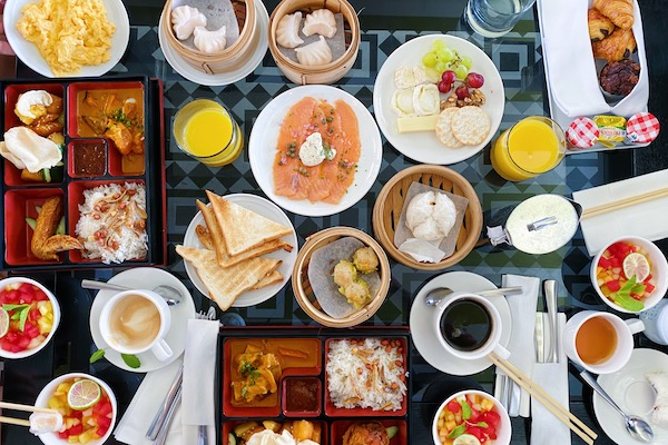 Petit dejeuner a MBS Spago Lounge
