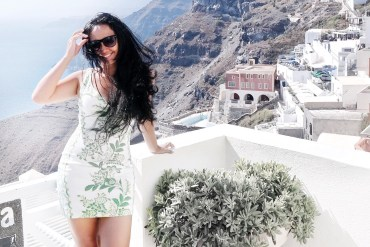 What To Wear In Santorini, Fira? Today's Fashion Is A Throwback To Greece!