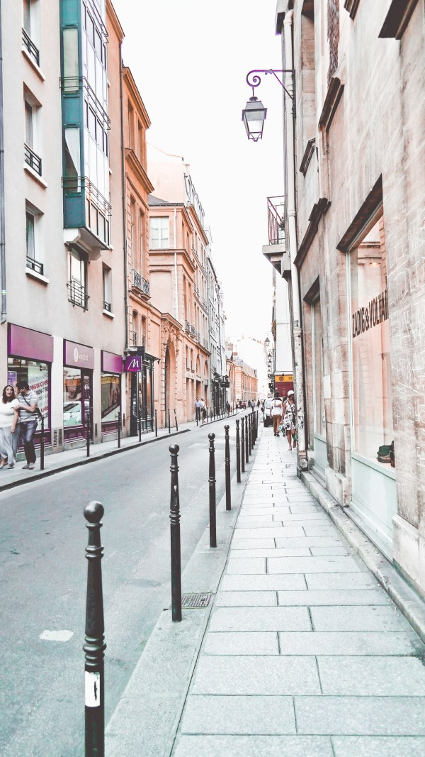 Paris-France-Rose-Gold-Lightroom-Preset-Paris-Chic-Style-Travel-Instagram-Fashion-Blog-27