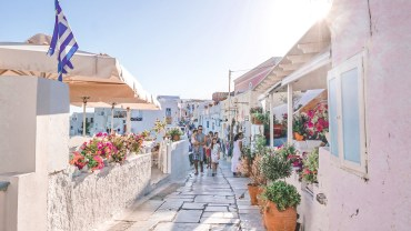 Santorini-Greece-Lightroom-Preset-Filter-Paris-Chic-Style-Travel-Instagram-Fashion-Blog-1