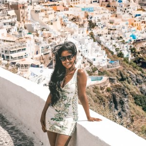 Santorini-Greece-Lightroom-Preset-Filter-Paris-Chic-Style-Travel-Instagram-Fashion-Blog-10