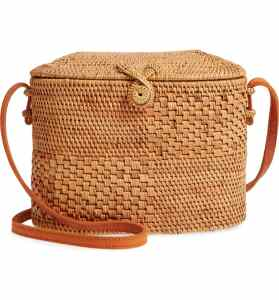 How To Wear Off Shoulder Dress With Woven Rattan Box Straw Bags Paris Chic Style 3