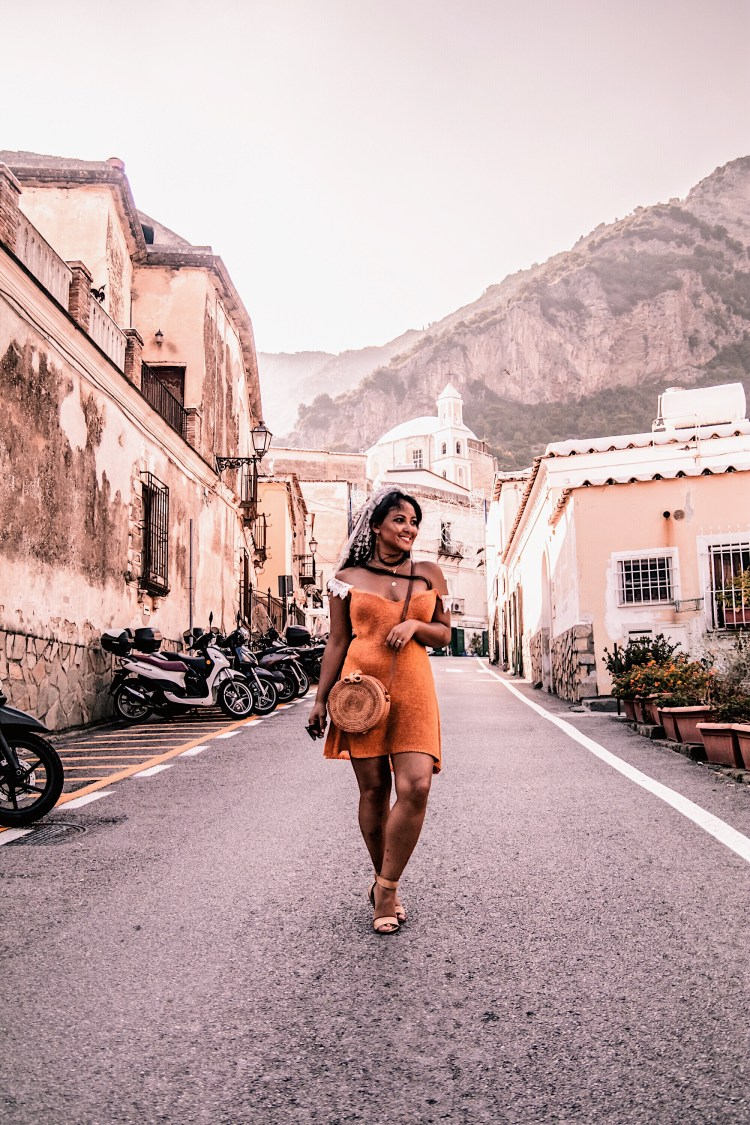 Marjolyn Lago Marj Positano-Travel-Guide-Best-Things-To-Do-In-Positano-Paris-Chic-Style-4