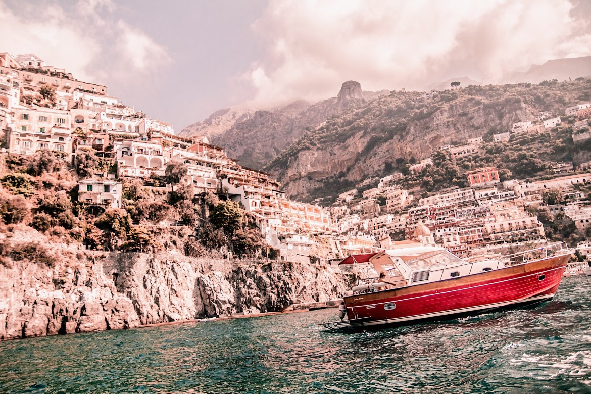 Positano-Travel-Guide-Best-Things-To-Do-In-Positano-Paris-Chic-Style-5