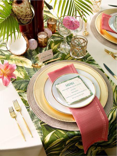 Thème-mariage-tropical-chemin-de-table-exotique