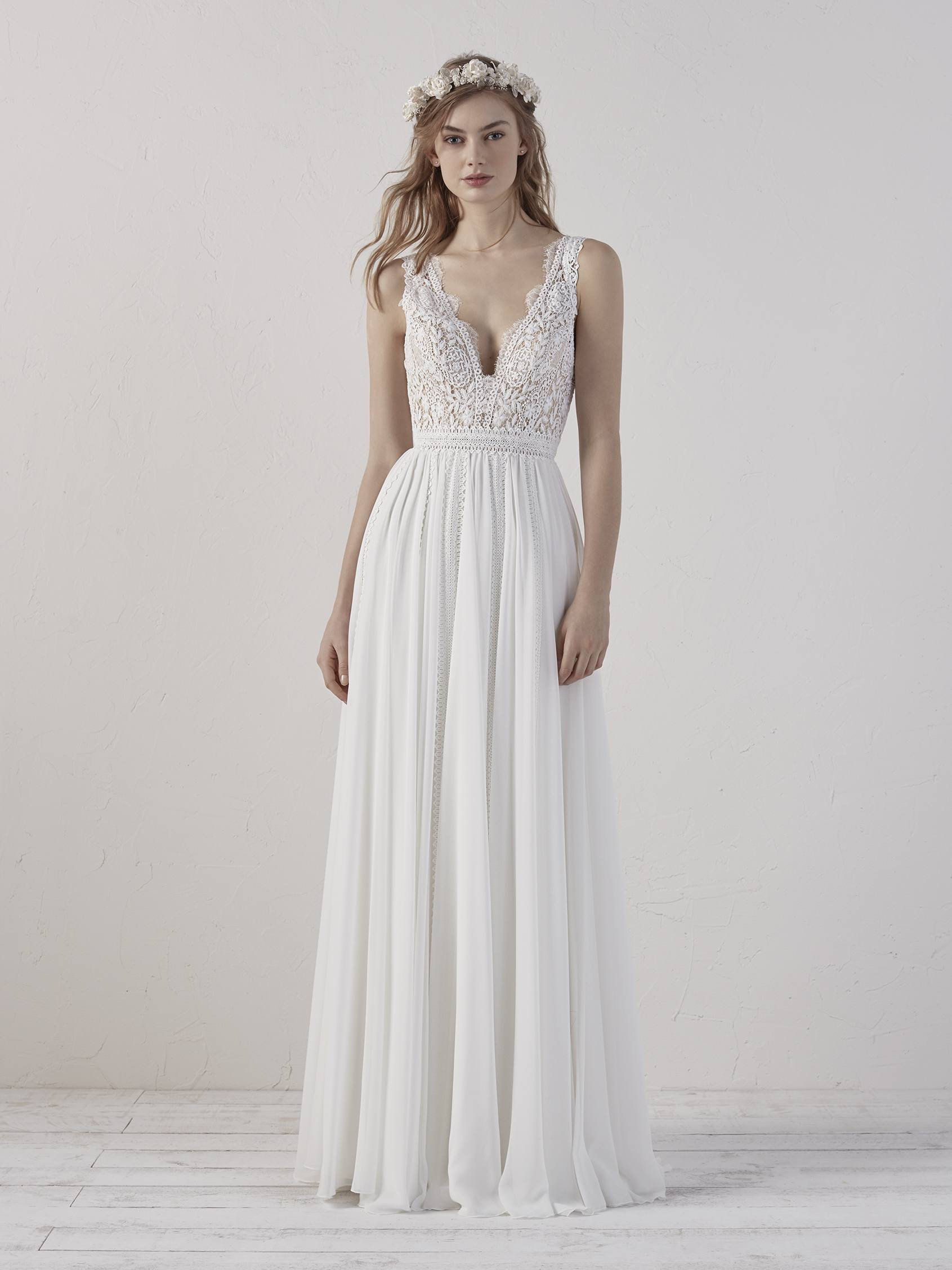 robe-empire-pronovias
