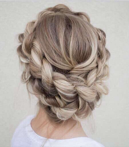 coiffure-mariée-tresse-couronne