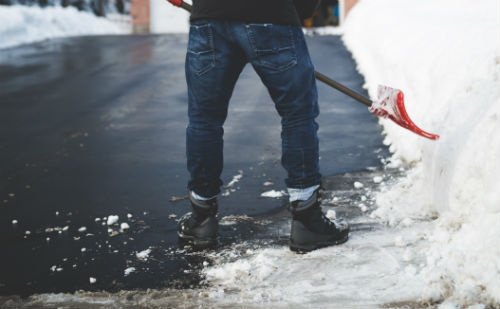 shoveling snow to stay slim through the holidays