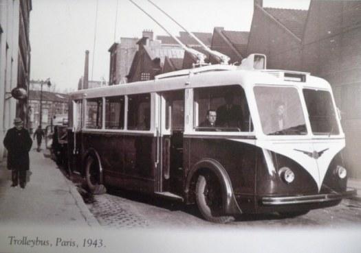 Trolleybus, Paris, 1943