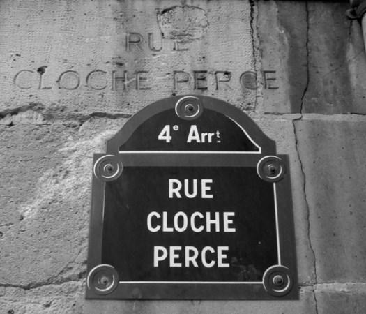 Plaque Rue Cloche perce