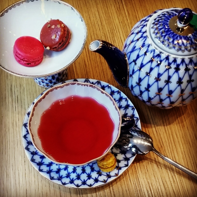 Acide, Restaurant à desserts salons de thé