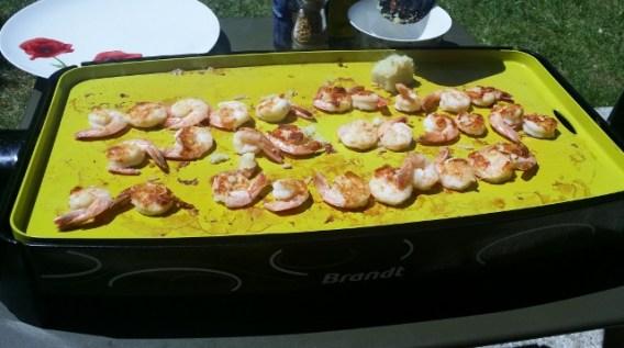 Crevettes, mini-brochettes et merguez à la Plancha