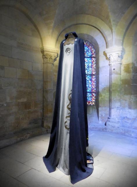 Les grandes robes royales de Lamyne M (14)