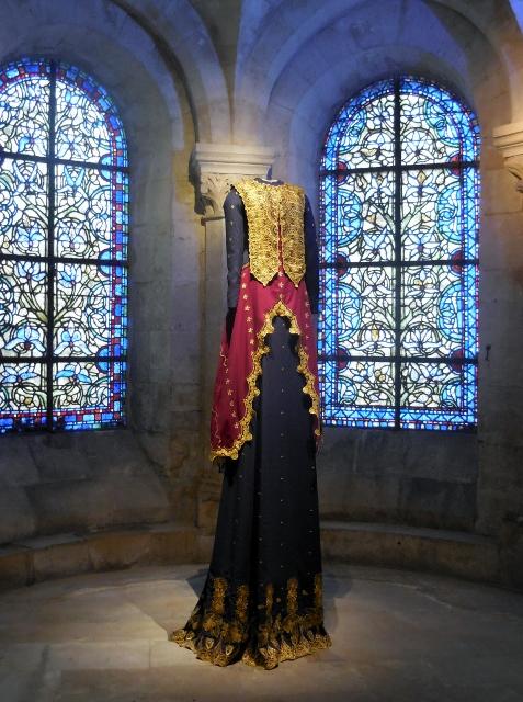 Les grandes robes royales de Lamyne M (6)