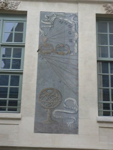 Cadrans solaires 47 rue Vieille du Temple Hôtel des Ambassadeurs de Hollande