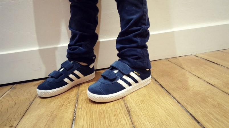 look-moutarde-chaussures