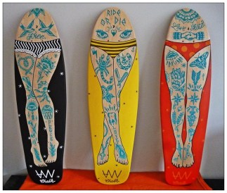 AWA PRODUCTION . Mise en Jambe 2 . (triptyque)