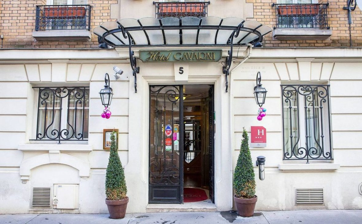 Located in chic Passy, the Hotel Gavarni boasts an art-nouveau exterior dating to the early 20th century.