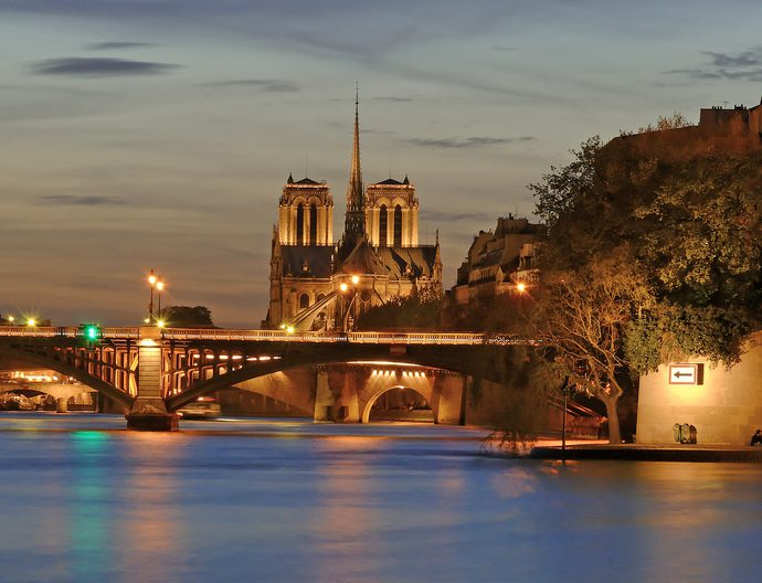 Notre Dame Cathedral at dusk. Image: Artbuck/Some rights reserved under Creative Commons 2.0 license.