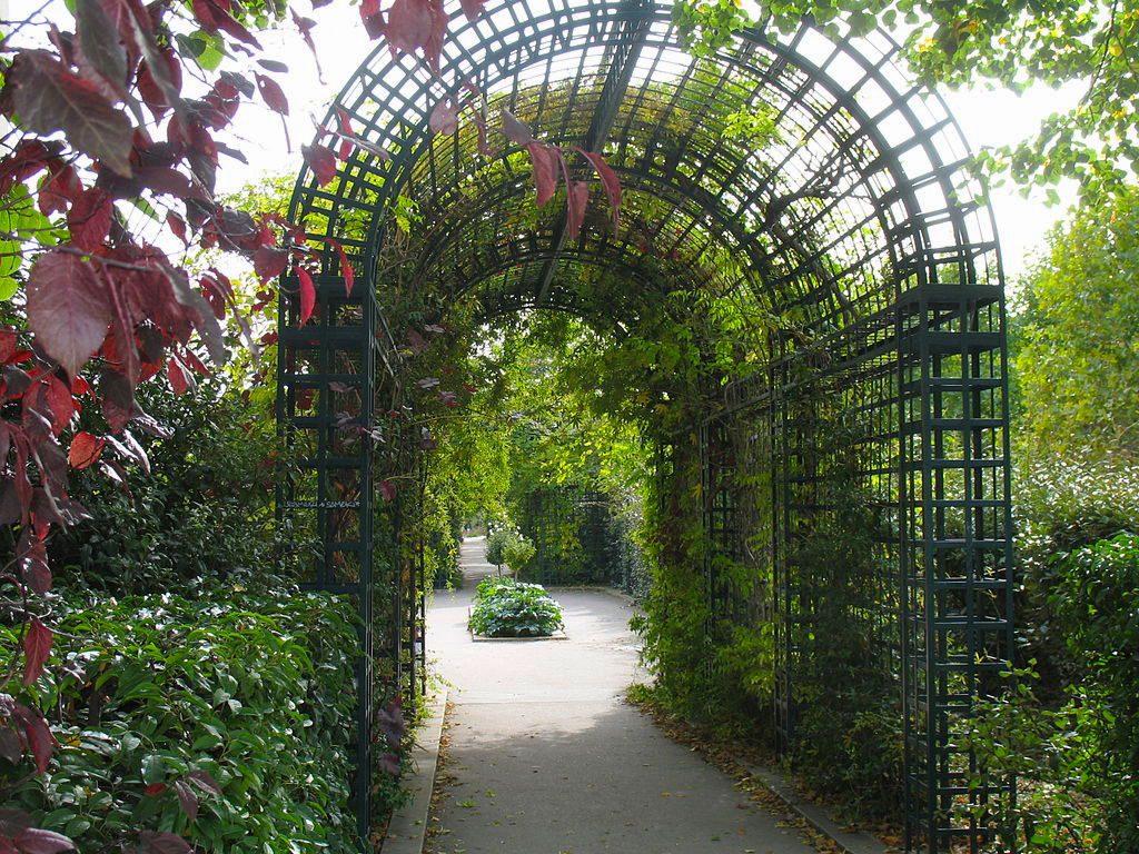 The Promenade Plantee in Paris/Wikimedia Commons