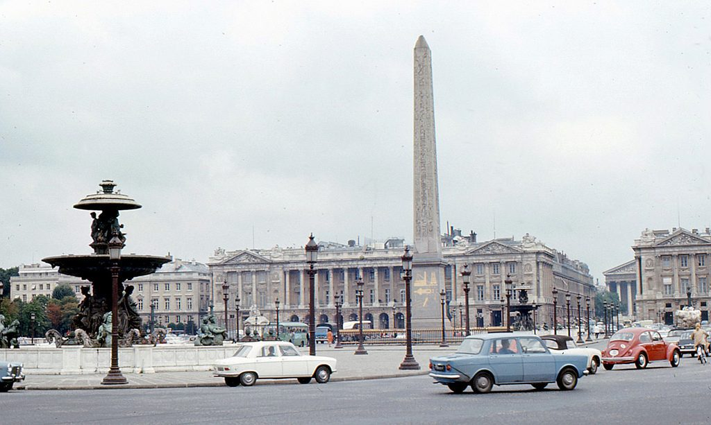 Place de la Concorde circa 1968, with the American Embassy in Paris to the left of the obelisk. Credit: Roger W/Some rights reserved under Creative Commons 2.0 license