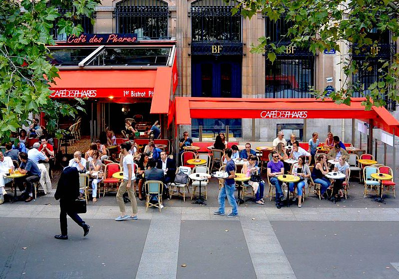 A cafe terrace near the Bastille, Paris. Image credit: Flightlog/Creative Commons