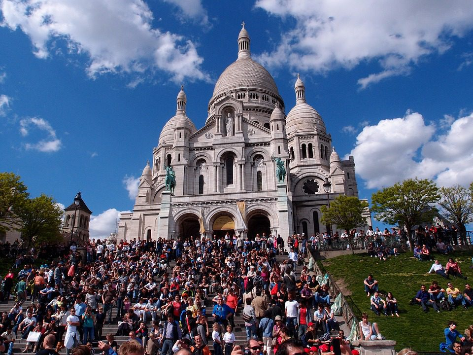 "Crowds around Sacré Coeur, Montmartre/<a href= ""https://www.maxpixel.net/Montmartre-Chakra-Kweeo-Paris-1607576"">Chakra Kweeo</a>"