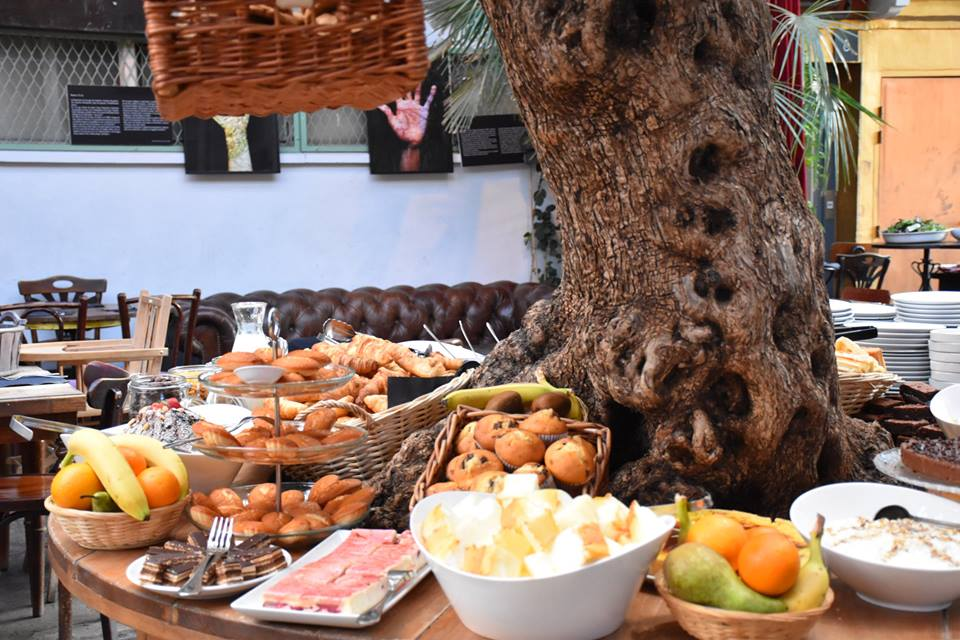 Sunday brunch at La Bellevilloise. Image: Official Facebook page