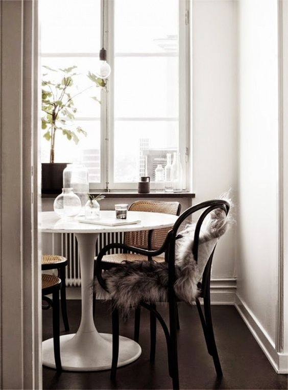 Tulip Tables Park And Oak Interior Design - Rove concepts saarinen table