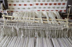 Weaver with wire to make looms, sewing and manufacturing