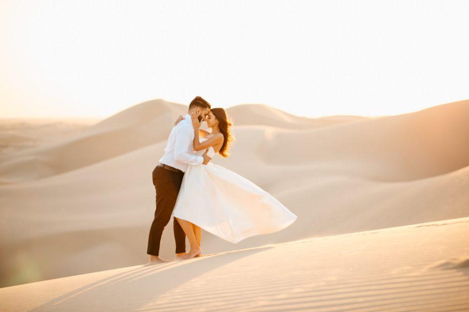 desert sand dunes engagement session