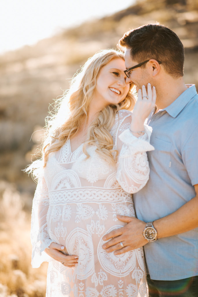 Arizona maternity session couple