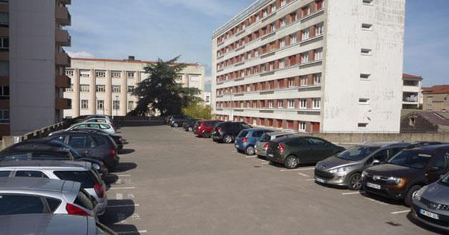 Armand et Béatrice achètent des parkings à Toulouse