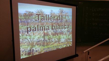 Taller de palma blanca en la Asociación Parkinson Elche