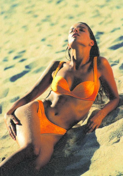 bikini-story-2