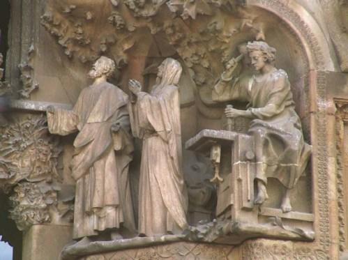 Temple of Sagrada Familia, Sculptures on the old façade.