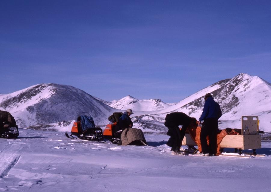 Ivvavik NP_March, 1990_First winter warden  patrol_Pass between Sheep Cr and Malcolm_Bill Dolan, Dan Frandsen, Clint Toews, Lawrence Kayotuk