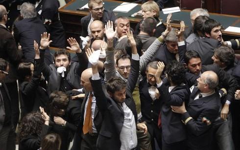 """M5S: 26 gli """"espulsi""""… dalla Boldrini!"""