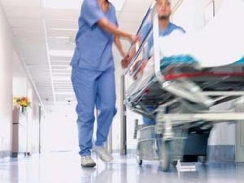 Il piano del governo: distruggere la sanità per regalarla ai privati