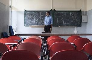 L.Stabilità: M5S, addio meritocrazia, Renzi assume docenti senza abilitazione