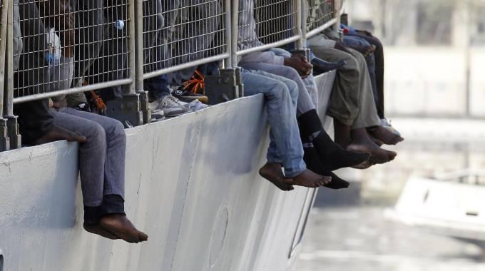 Migranti: M5S, manca cabina di regia per gestione accoglienza