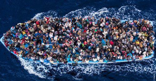 Migranti, Renzi e Alfano spacciano parole ma l'accoglienza è al collasso e irregolare