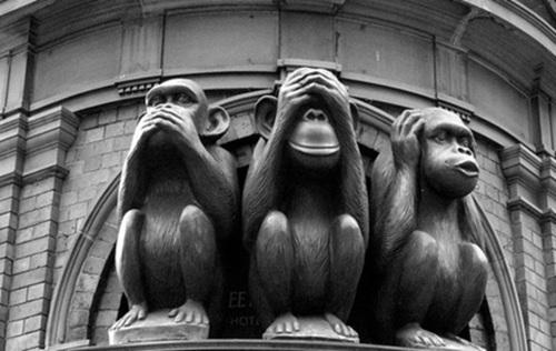 """Banche: Padoan, Visco e Vegas """"non vedo, non sento e non parlo"""""""