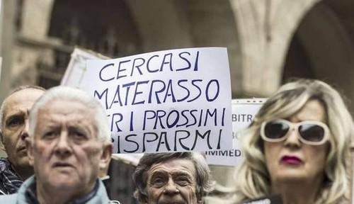 Il Salvabanche di Renzi e Boschi compie un anno: storia di una catastrofe italiana