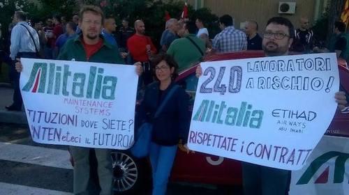 Alitalia: il governo dei Rolex abbandona i lavoratori AMS, e un'azienda strategica
